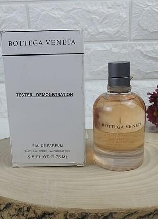 Sıfır kutusunda açılmamış parfüm