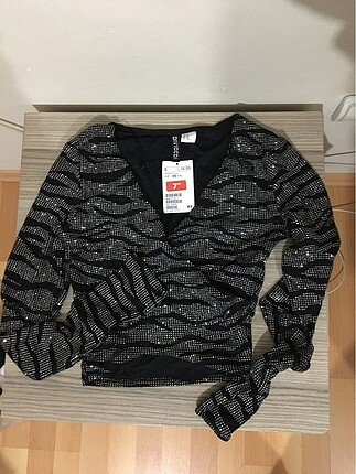 #H&M parıltılı bluz