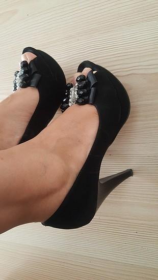 taş işlemeli ayakkabı