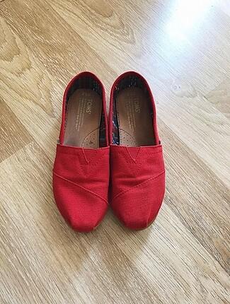 Toms Kırmızı Ayakkabı