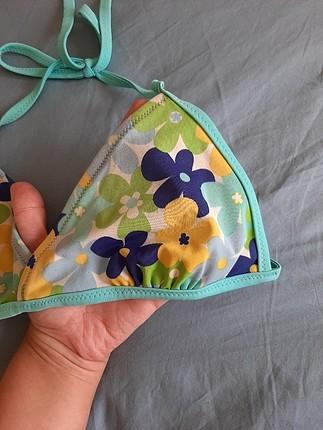 Penti çiçekli bikini üstü