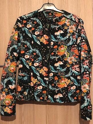Çiçekli mevsimlik ceket