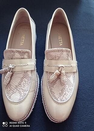 Deri ayakkabi Marka temsilidir.