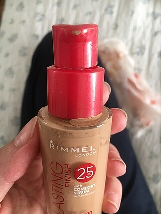 Rimmel london fondöten