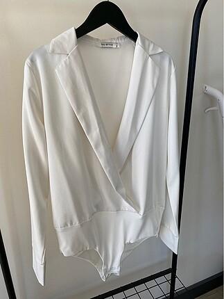 Beyaz zıbın gömlek
