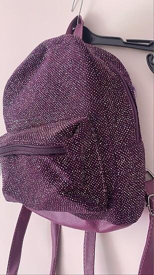 Mor parlak simli küçük sırt çantası