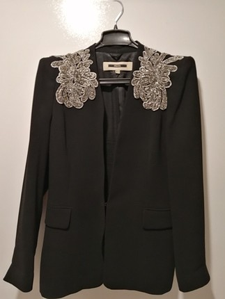 siyah işli ceket
