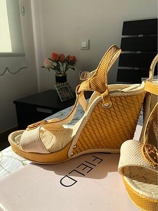 37 Beden altın Renk Krem-hardal rengi topuklu ayakkabı