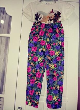 5-6uaş C&A marka paçası lastikli bol pantolon