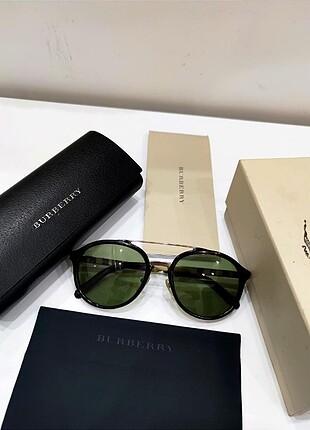 Beden Burberry gözlük