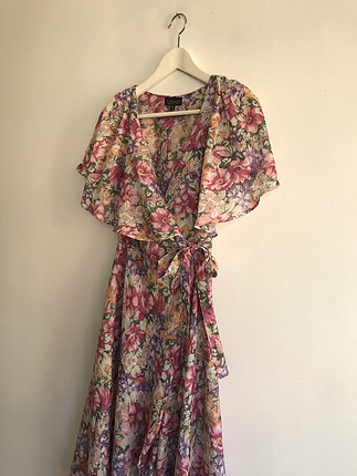 34 Beden Çiçekli elbise