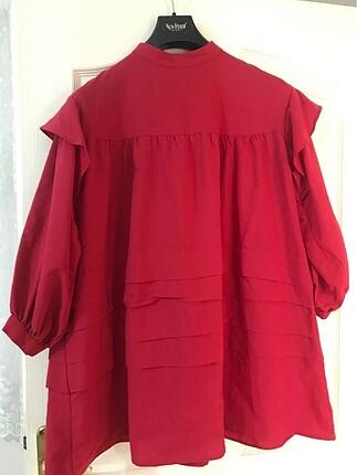 Kırmızı Pileli Gömlek