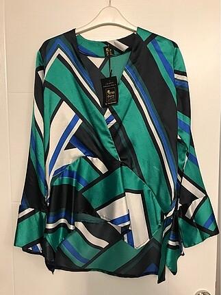 40 Beden çeşitli Renk Kruvaze Bluz