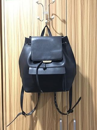 Beden Zara siyah deri sırt çantası