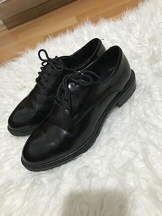 Klasik bayan ayakkabısı