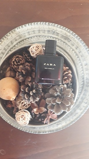 zara red wanilla parfüm