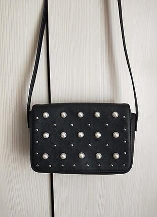 İncili siyah çapraz çanta