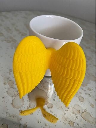Melek kanatlı kahve fincanı