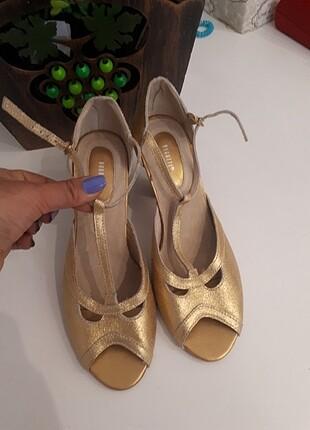 Bugatti marka orjinal ince topuklu ayakkabi
