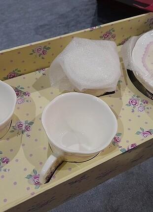 Lokumluklu ikili kahve fincanı