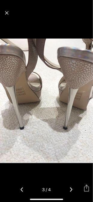 Gümüş çok şık topuklu ayakkabı