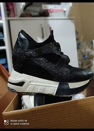 gizli topuk spor ayakkabısı