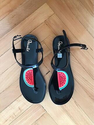 Karpuzlu sandalet