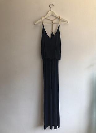 Yanı yırtmaçlı elbise