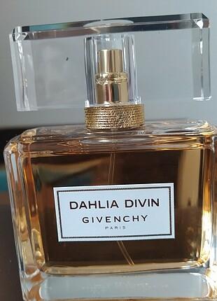 Givanchy EDP Dahlia Divin