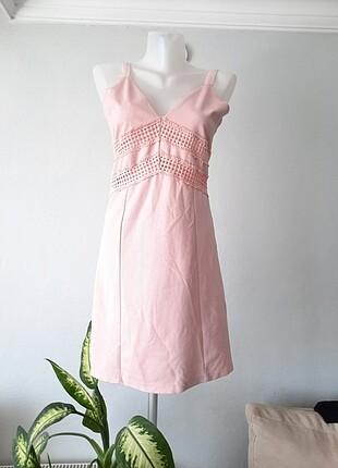Pembe kısa askılı dantel kumaş elbisesi midi kokteyl