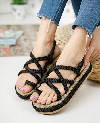 Hasır siyah sandalet