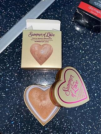 Beden Renk I Heart Revolution Summer of Love Bronzer