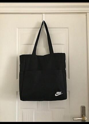 Nike kol çantası