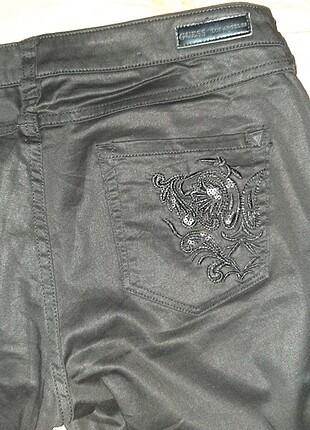 30 Beden siyah Renk Guess Siyah Pantolon