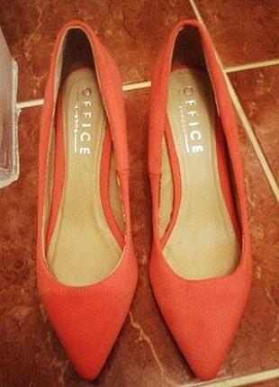 Turuncu kısa topuklu ayakkabı