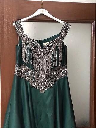 İlmio marka 42 beden zümrüt yeşili taşlı abiye elbise nişanlık