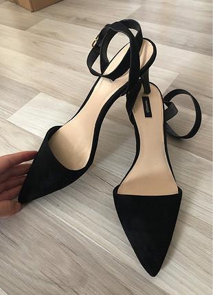 Mango bilekli topuklu ayakkabı