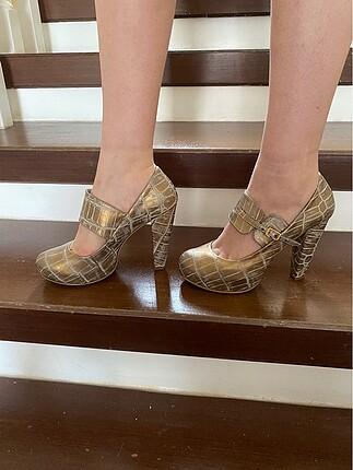 Dore kalın topuk ayakkabı