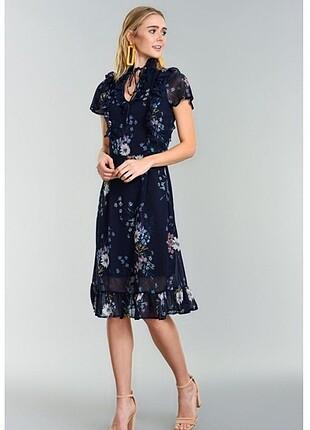 Fabrika çiçekli elbise