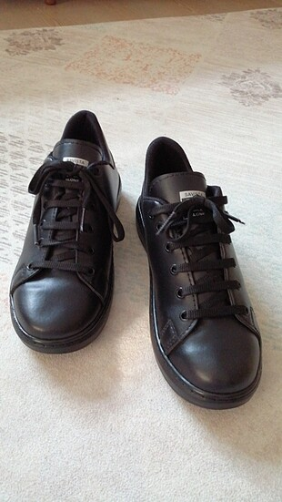Sıfır Kadın Spor Ayakkabısı