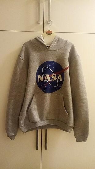 Nasa sweatshirt çok az kullanıldı