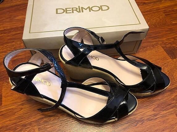 Derimod dolgu topuk ayakkabı