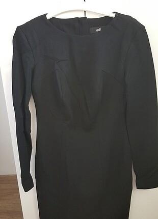 Siyah uzun kollu kısa elbise