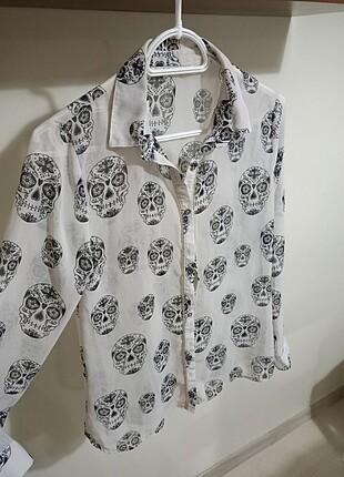 Zincir detaylı gömlek