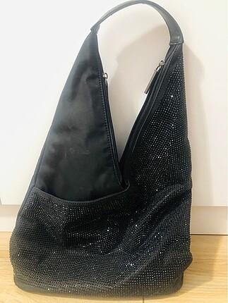 Siyah taşlı kol çantası