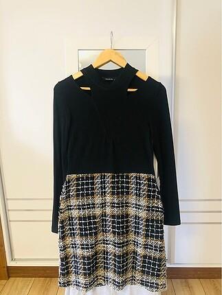 Siyah tüvit elbise
