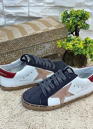 Golden Goose Deluxe SUPER-STAR Sneakers