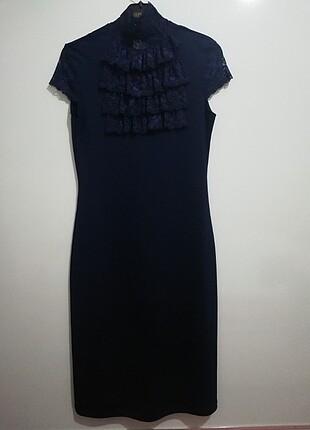 Tül detaylı lacivert elbise