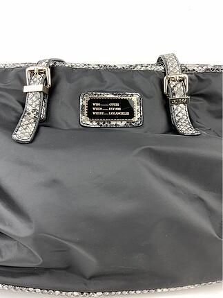 Guess Yılan Desenli Detaylı Çanta