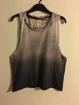 Askılı tişört
